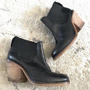 Aldo ankle boots booties black leather block heel